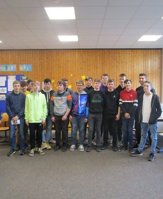 Ausbildungsbotschafterinnen der Firma Waldner zu Besuch in der Werkrealschule Kißlegg