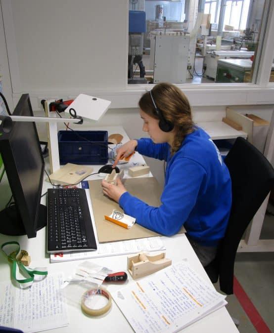 Schülerinnen und Schüler der Klasse 8 der Werkrealschule Kißlegg aktiv dabei beim Girls Day 2021 und beim Zukunftstag der Luft- und Raumfahrt